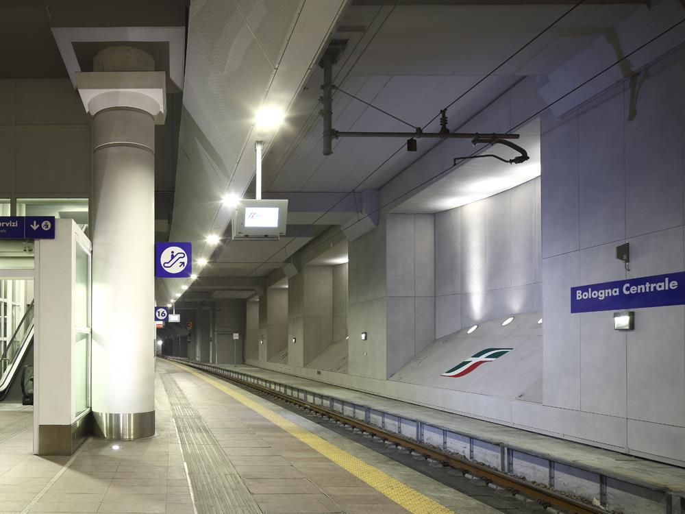 Bologna Railway Station: Photo 3