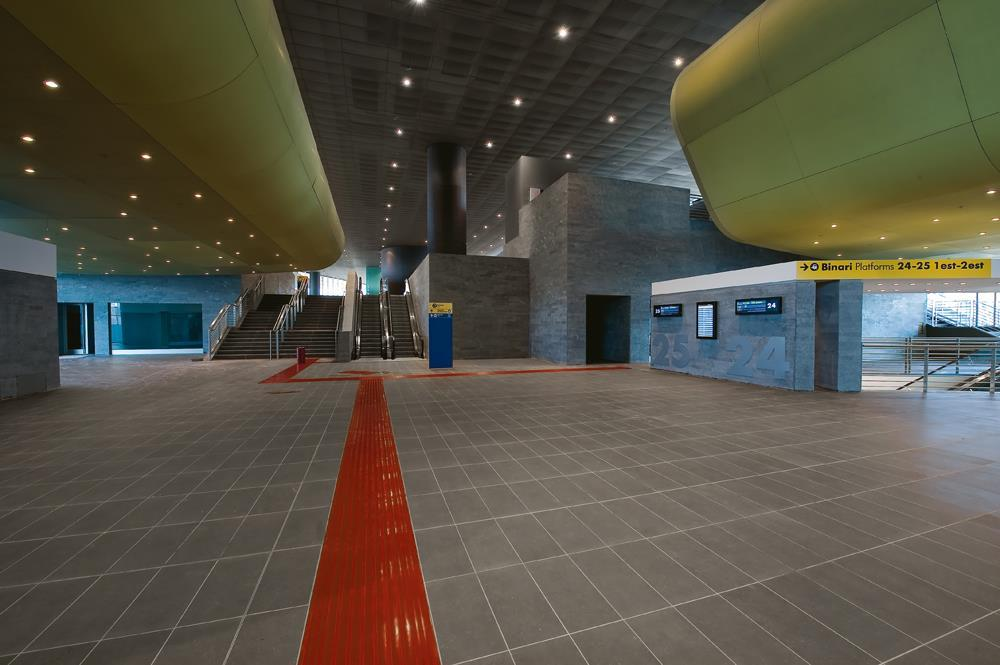 Roma Tiburtina Railway Station: Photo 14